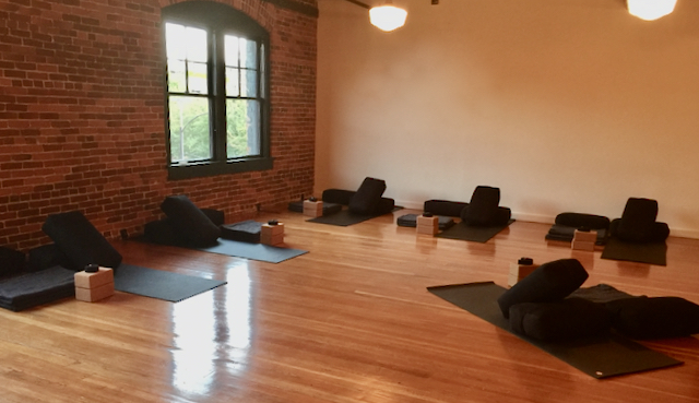 Well-Rounded Practice With Colin Hogan at MamaSpace Yoga